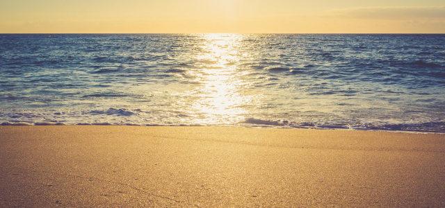 阳光大海沙滩背景