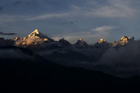 山高清背景