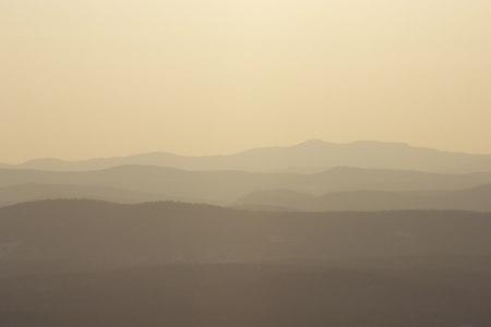 山峰高清背景