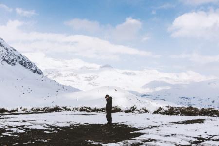 冬天雪山高清背景