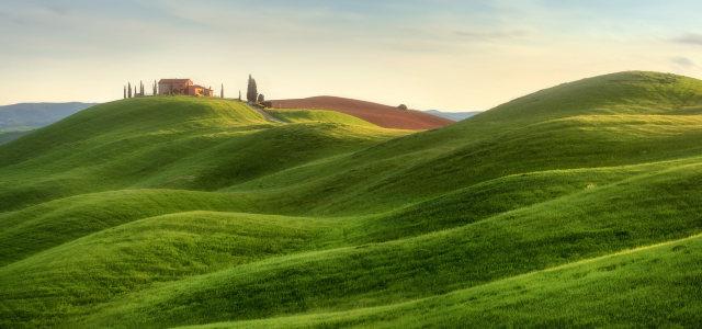 山坡上的房子高清背景图片素材下载