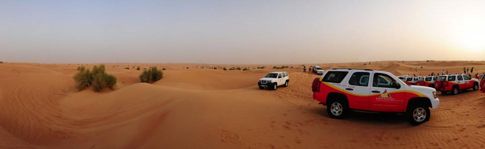 迪拜沙漠海报背景图高清背景图片素材下载