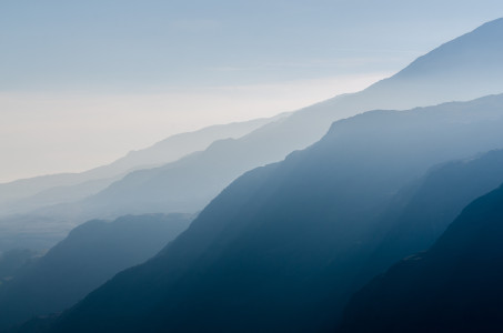 山峰山脉背景高清背景图片素材下载