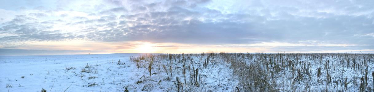 唯美雪山风景摄影海报背景