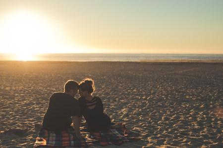 海边浪漫情侣