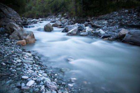 河流高清背景
