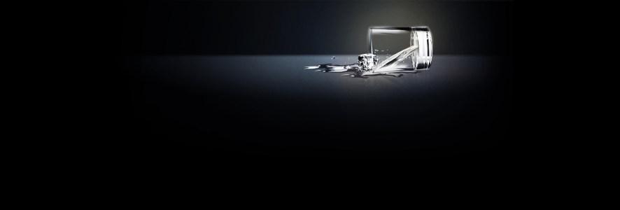 黑色质感水杯冰块背景banner高清背景图片素材下载