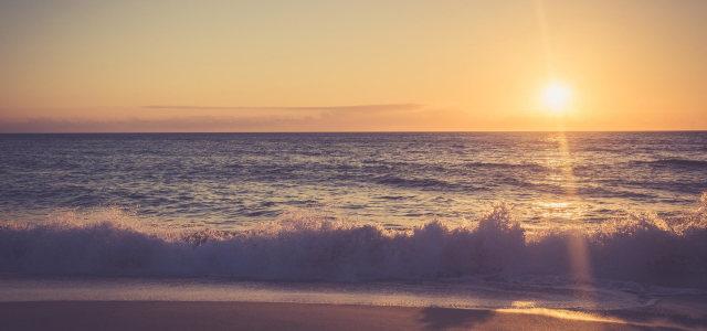 夕阳天空大海