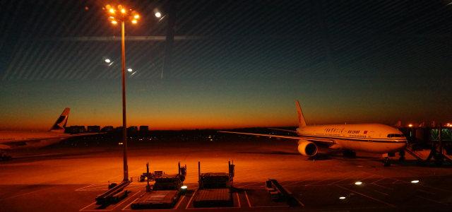 夜晚机场摄影