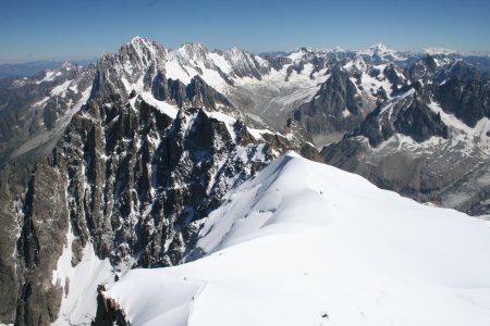 雪山山峰山脉