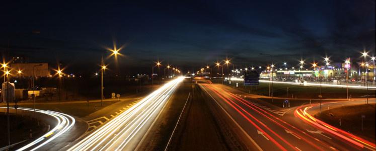 现代简约大气夜晚道路海报背景高清背景图片素材下载