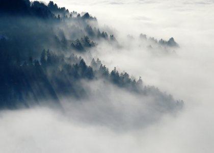 大气山峰云海