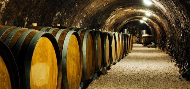 红酒橡木桶高清背景图片素材下载