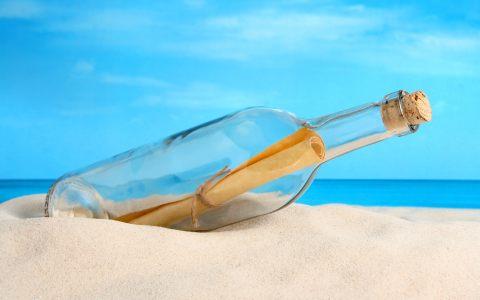 漂流瓶沙滩背景