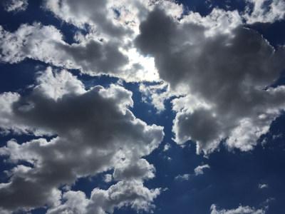 天空和云层背景高清背景图片素材下载