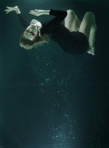 水下女人高清背景图片素材下载