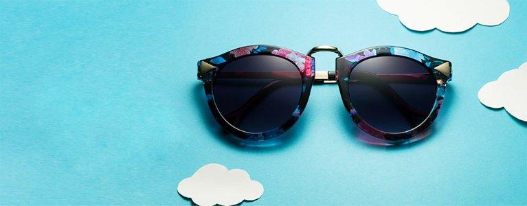 眼镜蓝色背景图
