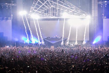 音乐演唱会现场舞台背景高清背景图片素材下载