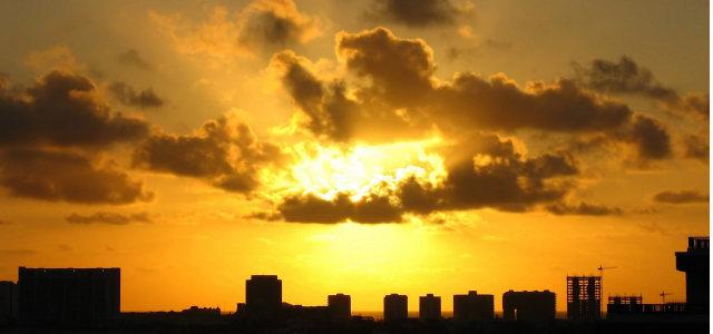 天空夕阳城市背景