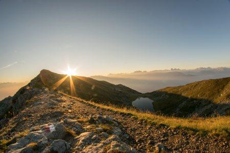 日出高清背景