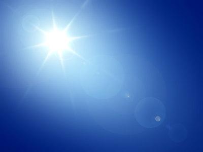 蓝色天空太阳背景高清背景图片素材下载