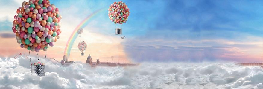 白云气球空中飘荡