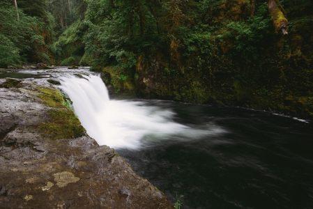 瀑布高清背景高清背景图片素材下载